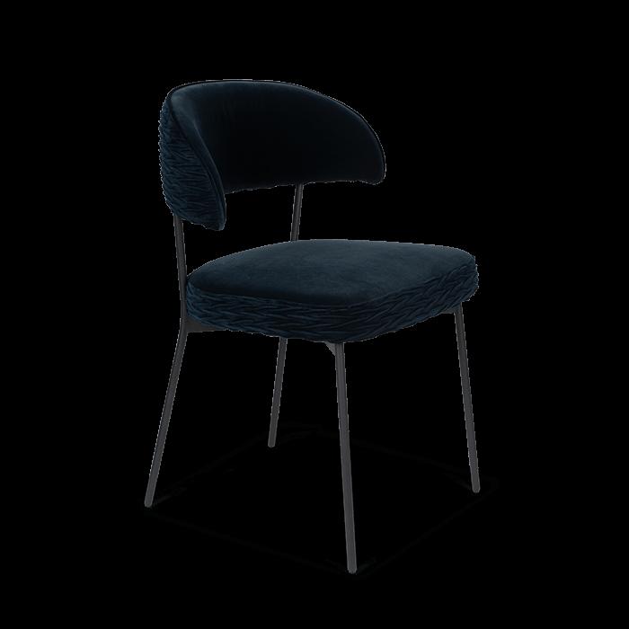 Bold Monkey The Winner Takes It All chair donkerblauw eetkamerstoel velvet fluweel gestoffeerd bekleding zwart frame